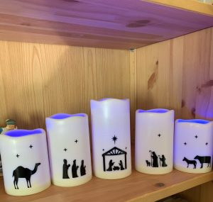 Troy and Tracy Knight Family - flexible and reversible - colors change for Advent/Christmas and the main candle reverses to show empty manger